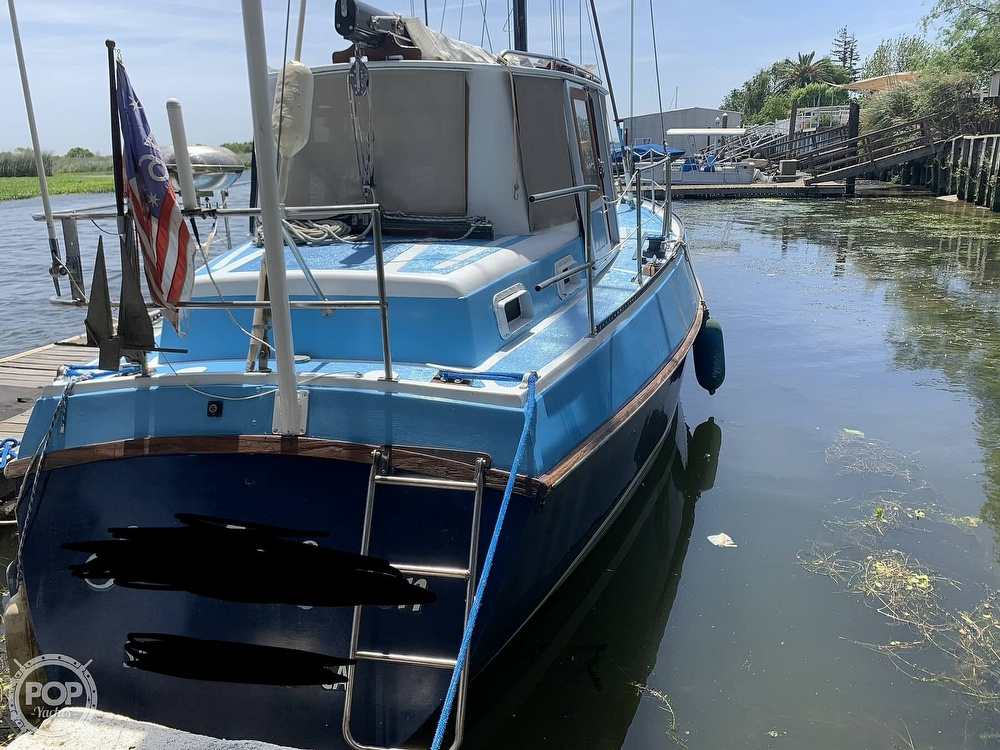 1975 Yorktown boat for sale, model of the boat is 39 & Image # 7 of 40