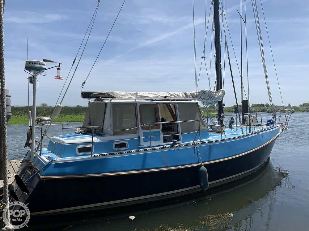 1975 Yorktown boat for sale, model of the boat is 39 & Image # 8 of 40