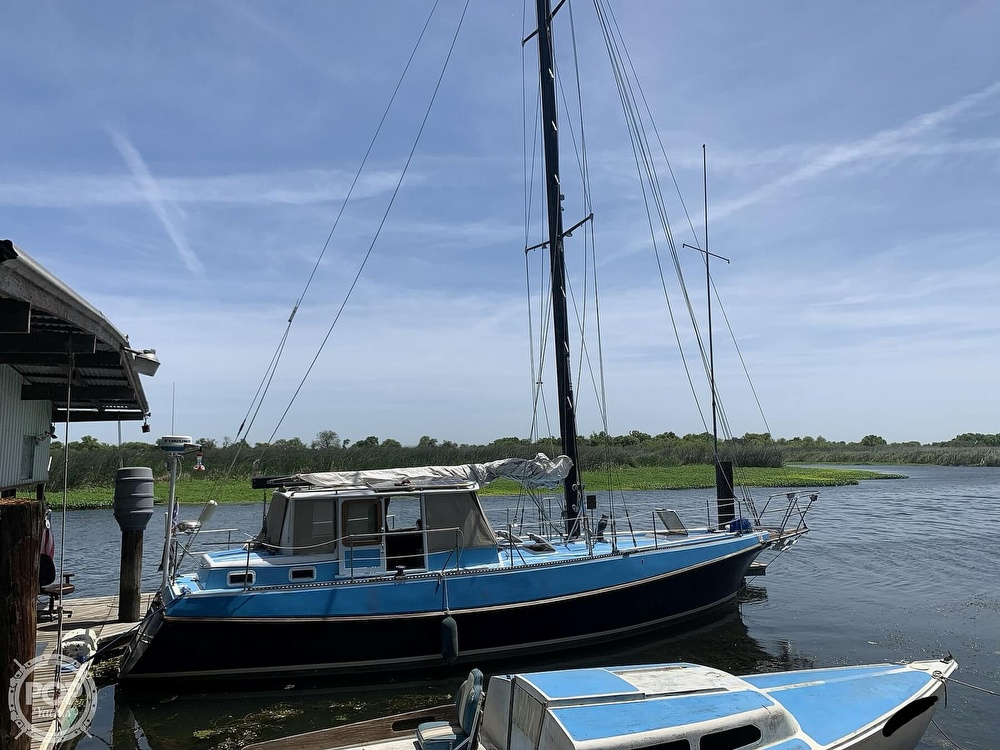 1975 Yorktown boat for sale, model of the boat is 39 & Image # 9 of 40