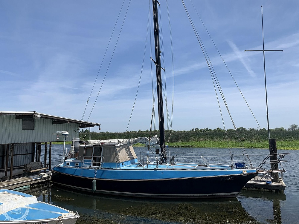1975 Yorktown boat for sale, model of the boat is 39 & Image # 12 of 40