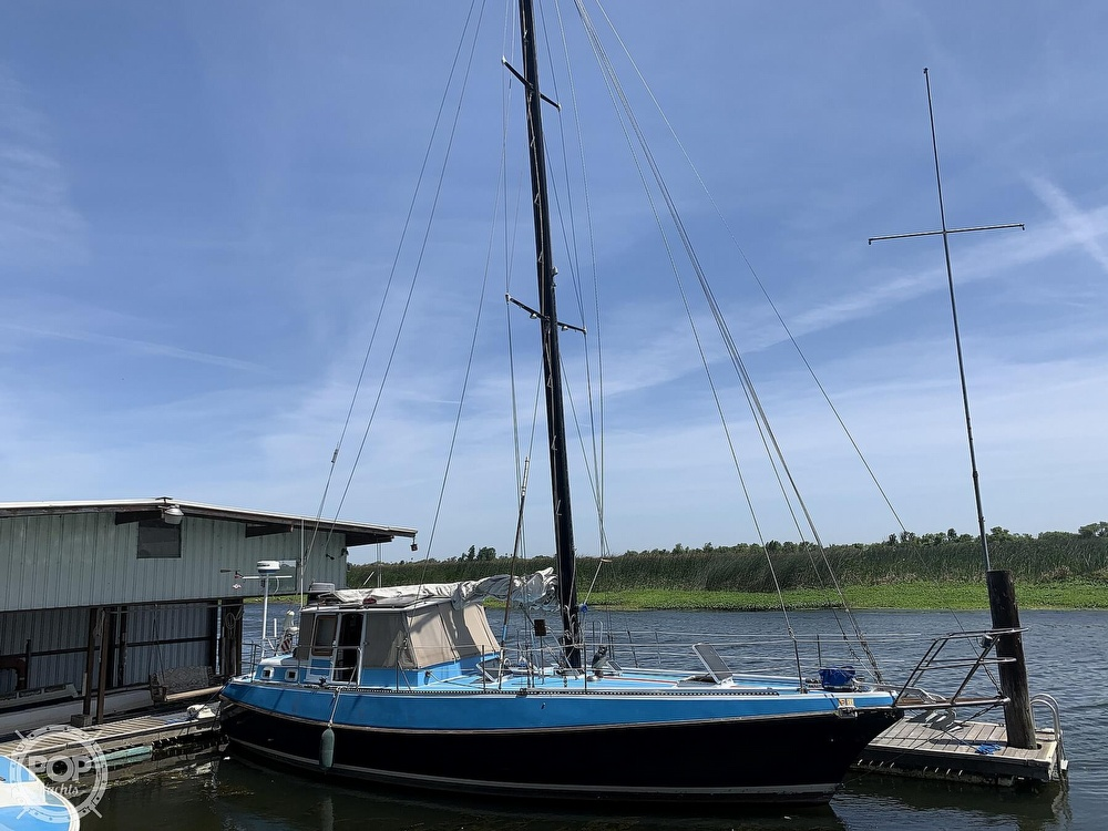 1975 Yorktown boat for sale, model of the boat is 39 & Image # 13 of 40