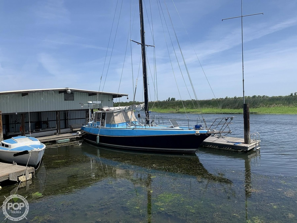 1975 Yorktown boat for sale, model of the boat is 39 & Image # 14 of 40