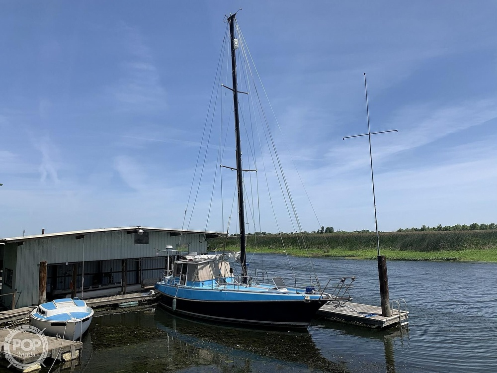 1975 Yorktown boat for sale, model of the boat is 39 & Image # 15 of 40