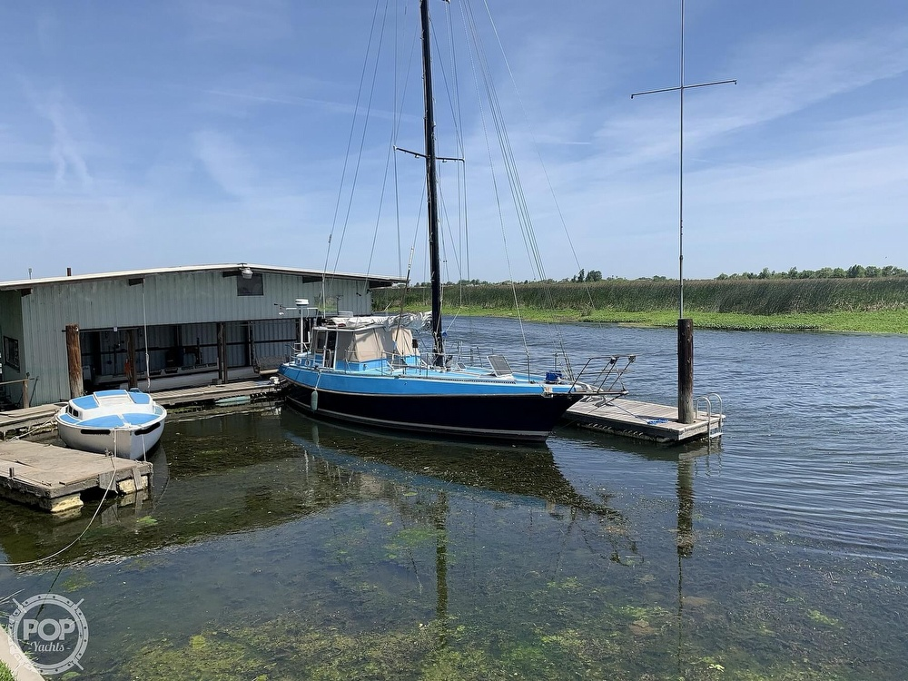 1975 Yorktown boat for sale, model of the boat is 39 & Image # 16 of 40