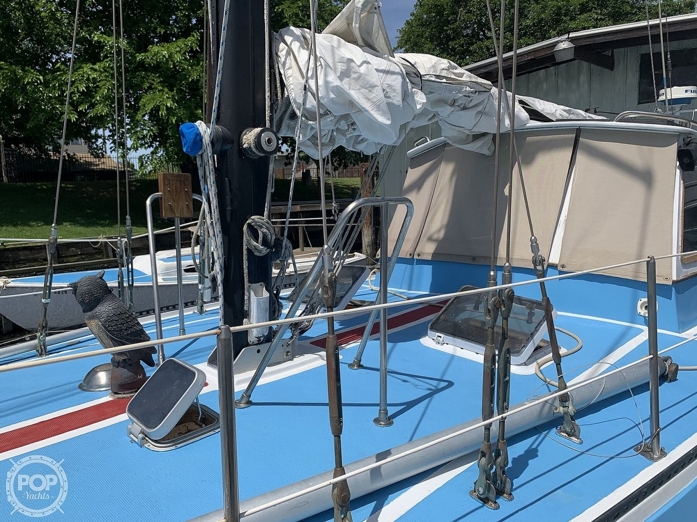 1975 Yorktown boat for sale, model of the boat is 39 & Image # 26 of 40