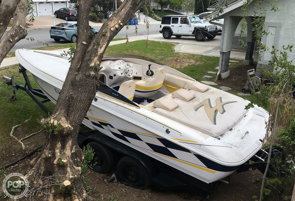 2001 Donzi boat for sale, model of the boat is 22ZX & Image # 10 of 40