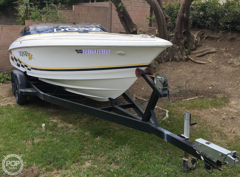 2001 Donzi boat for sale, model of the boat is 22ZX & Image # 11 of 40