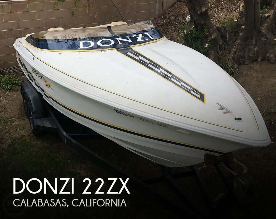 2001 Donzi boat for sale, model of the boat is 22ZX & Image # 1 of 40