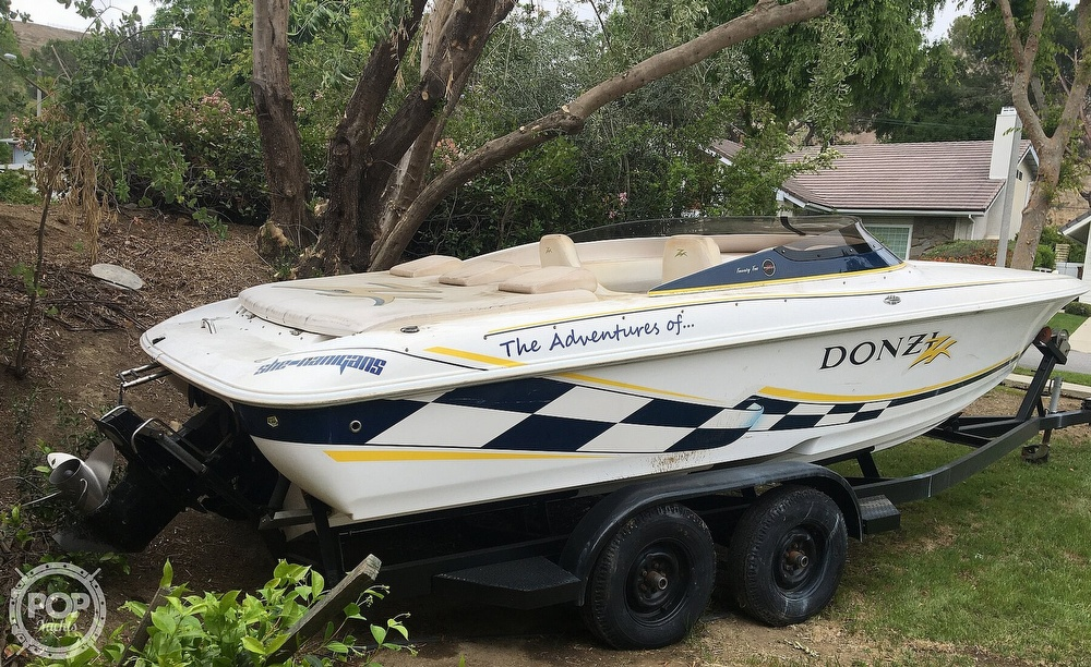 2001 Donzi boat for sale, model of the boat is 22ZX & Image # 12 of 40