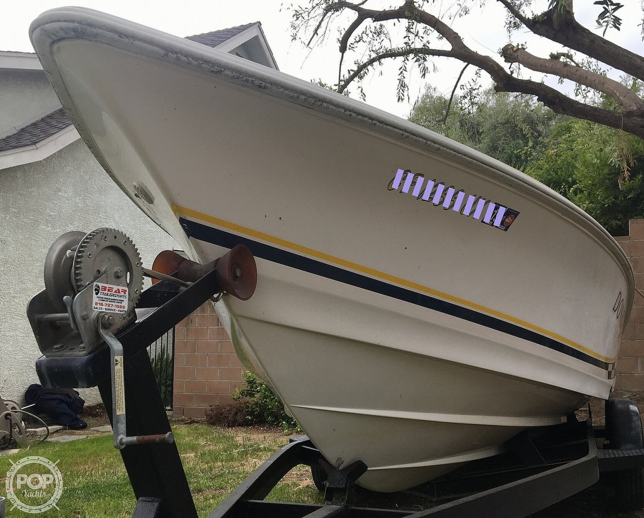 2001 Donzi boat for sale, model of the boat is 22ZX & Image # 38 of 40