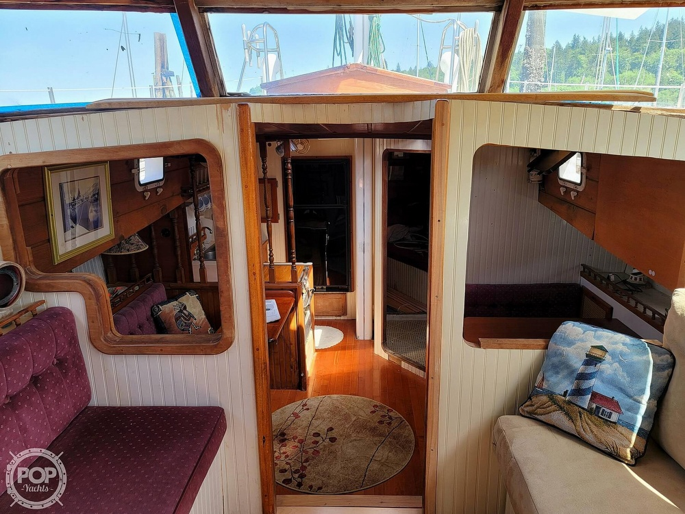 1991 Seahawk boat for sale, model of the boat is 49 Custom & Image # 19 of 40