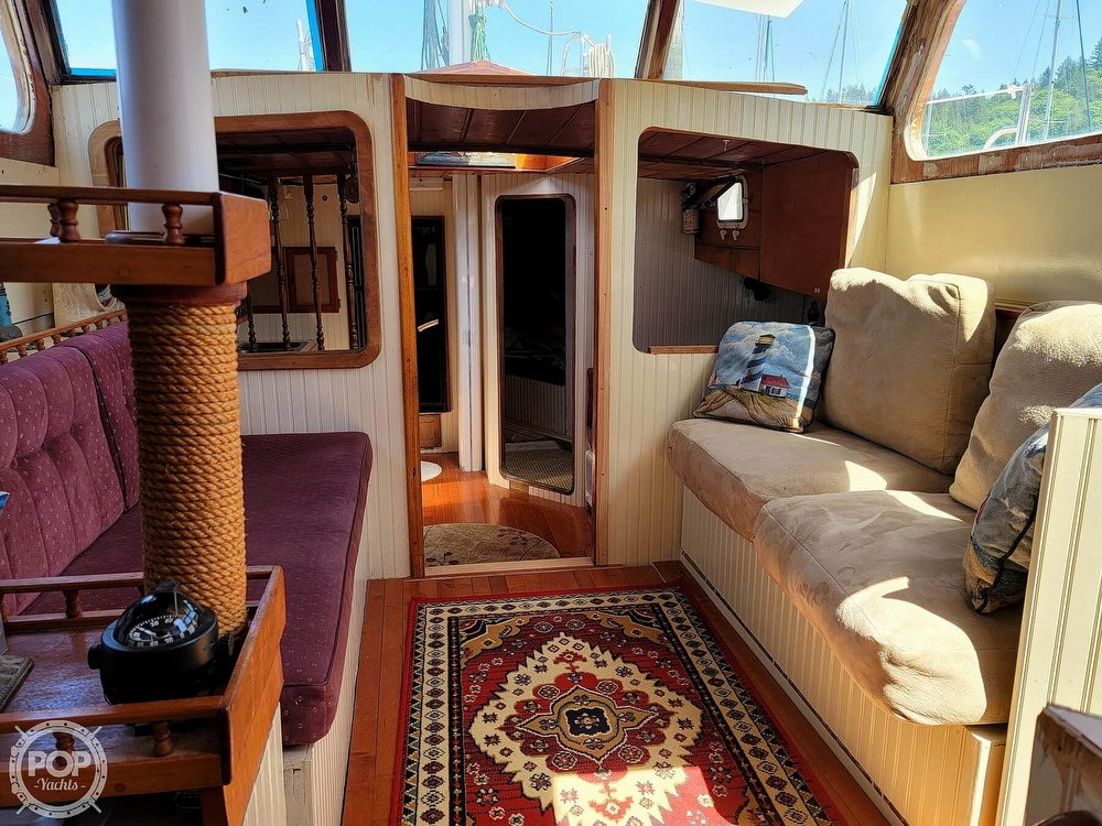 1991 Seahawk boat for sale, model of the boat is 49 Custom & Image # 20 of 40