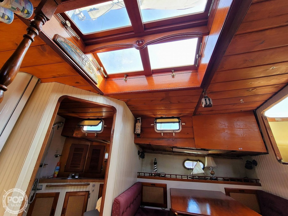 1991 Seahawk boat for sale, model of the boat is 49 Custom & Image # 17 of 40