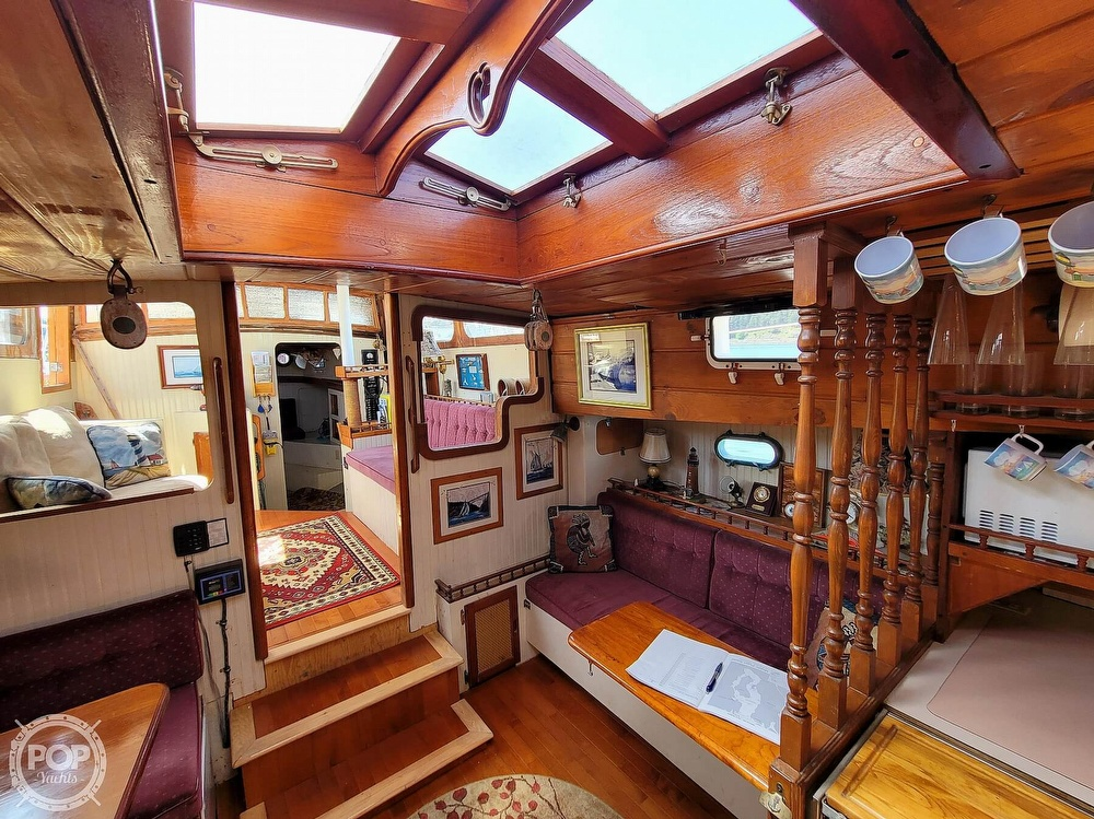 1991 Seahawk boat for sale, model of the boat is 49 Custom & Image # 18 of 40