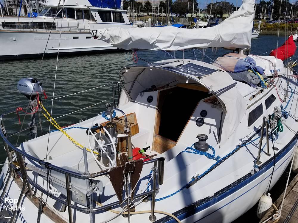 1977 Islander boat for sale, model of the boat is 32 MK II & Image # 15 of 40