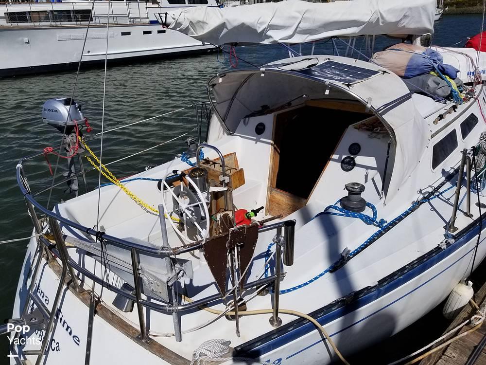 1977 Islander boat for sale, model of the boat is 32 MK II & Image # 16 of 40