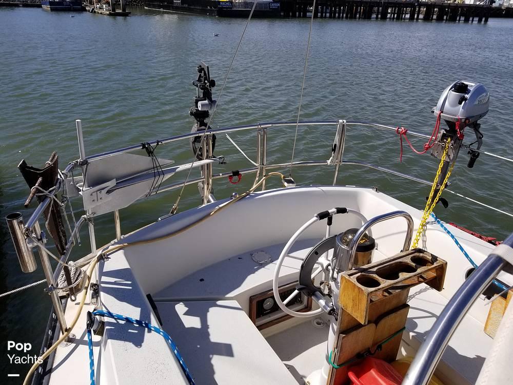 1977 Islander boat for sale, model of the boat is 32 MK II & Image # 22 of 40