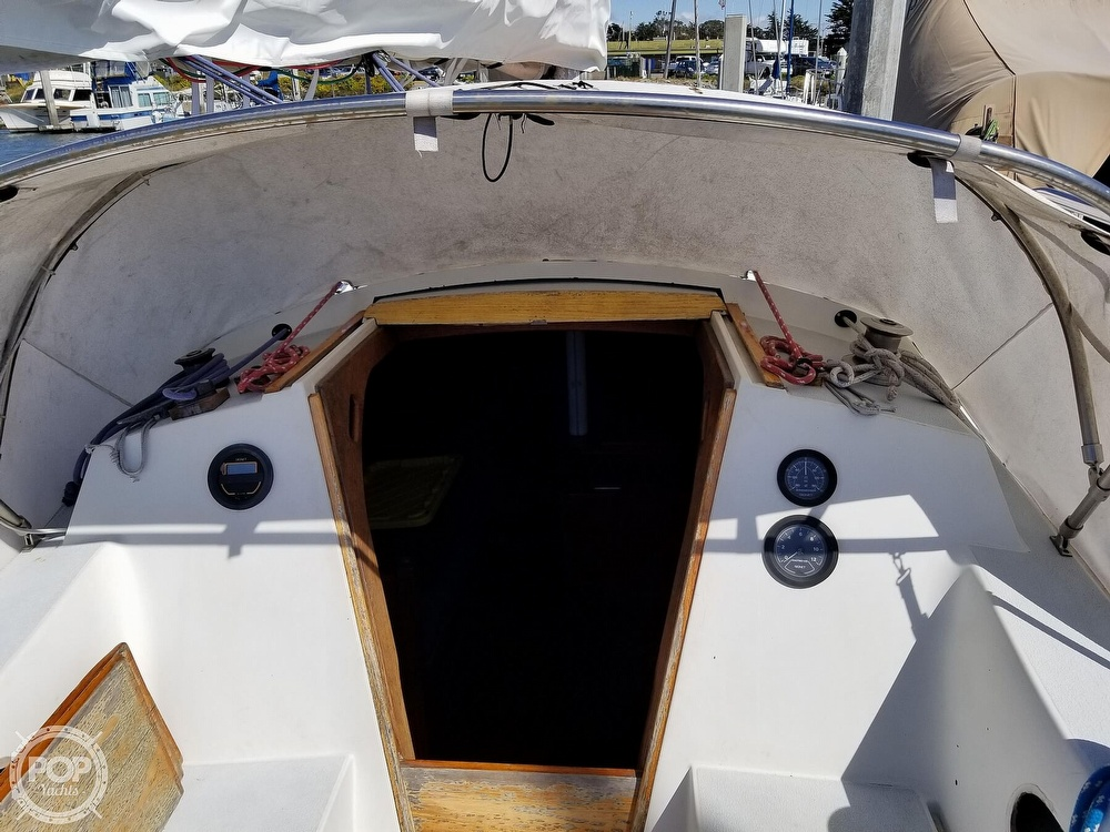 1977 Islander boat for sale, model of the boat is 32 MK II & Image # 38 of 40