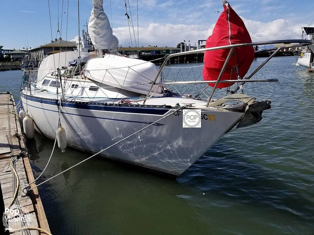 1977 Islander boat for sale, model of the boat is 32 MK II & Image # 6 of 40