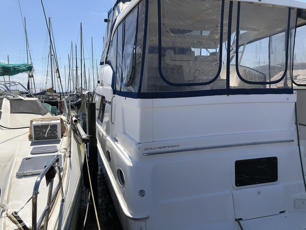 1998 Silverton boat for sale, model of the boat is 372 Motoryacht & Image # 9 of 40