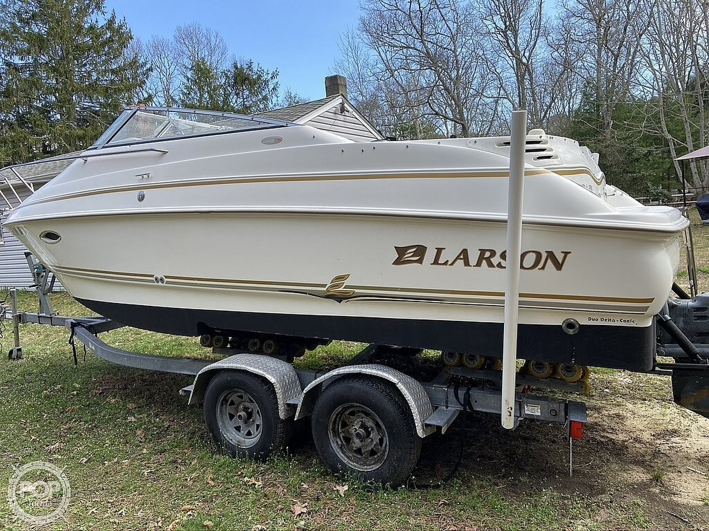 2004 Larson boat for sale, model of the boat is 220 Cabrio & Image # 3 of 40