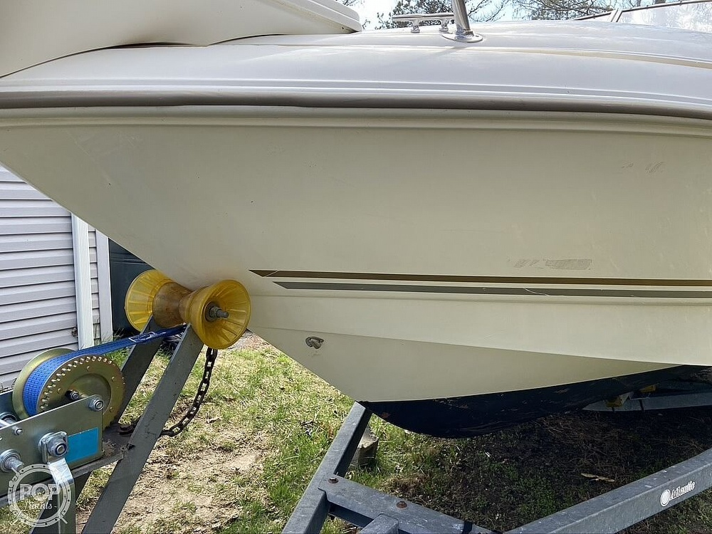 2004 Larson boat for sale, model of the boat is 220 Cabrio & Image # 6 of 40