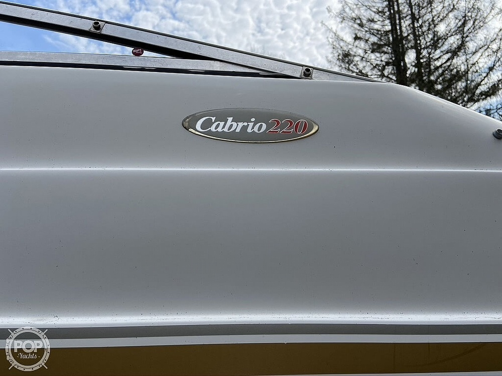 2004 Larson boat for sale, model of the boat is 220 Cabrio & Image # 12 of 40