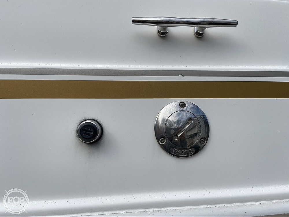 2004 Larson boat for sale, model of the boat is 220 Cabrio & Image # 29 of 40