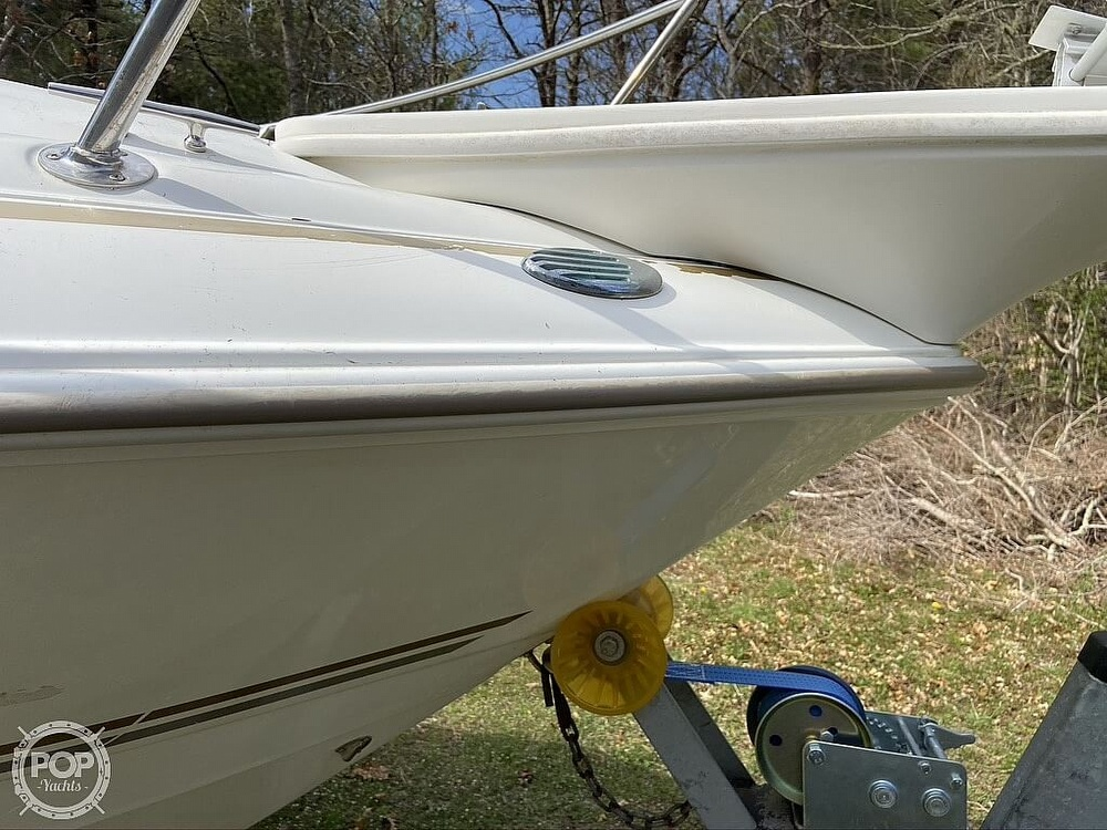 2004 Larson boat for sale, model of the boat is 220 Cabrio & Image # 34 of 40