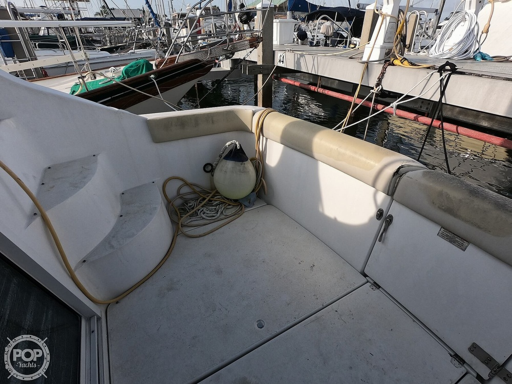 2000 Carver boat for sale, model of the boat is 350 Mariner & Image # 8 of 40