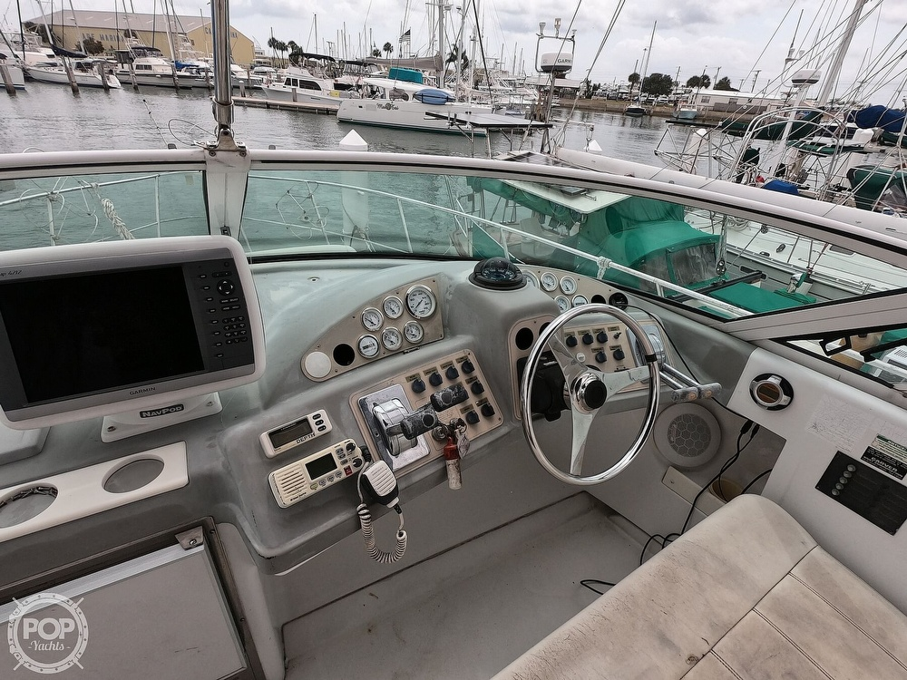 2000 Carver boat for sale, model of the boat is 350 Mariner & Image # 23 of 40