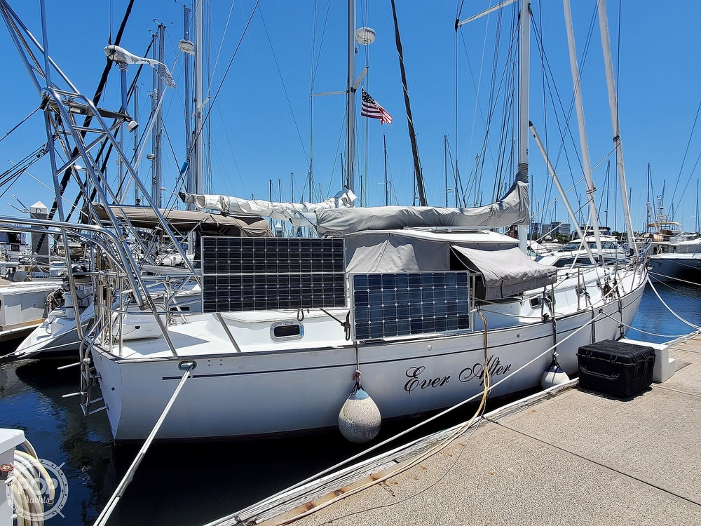 1981 Kelly Peterson boat for sale, model of the boat is 44 & Image # 19 of 40