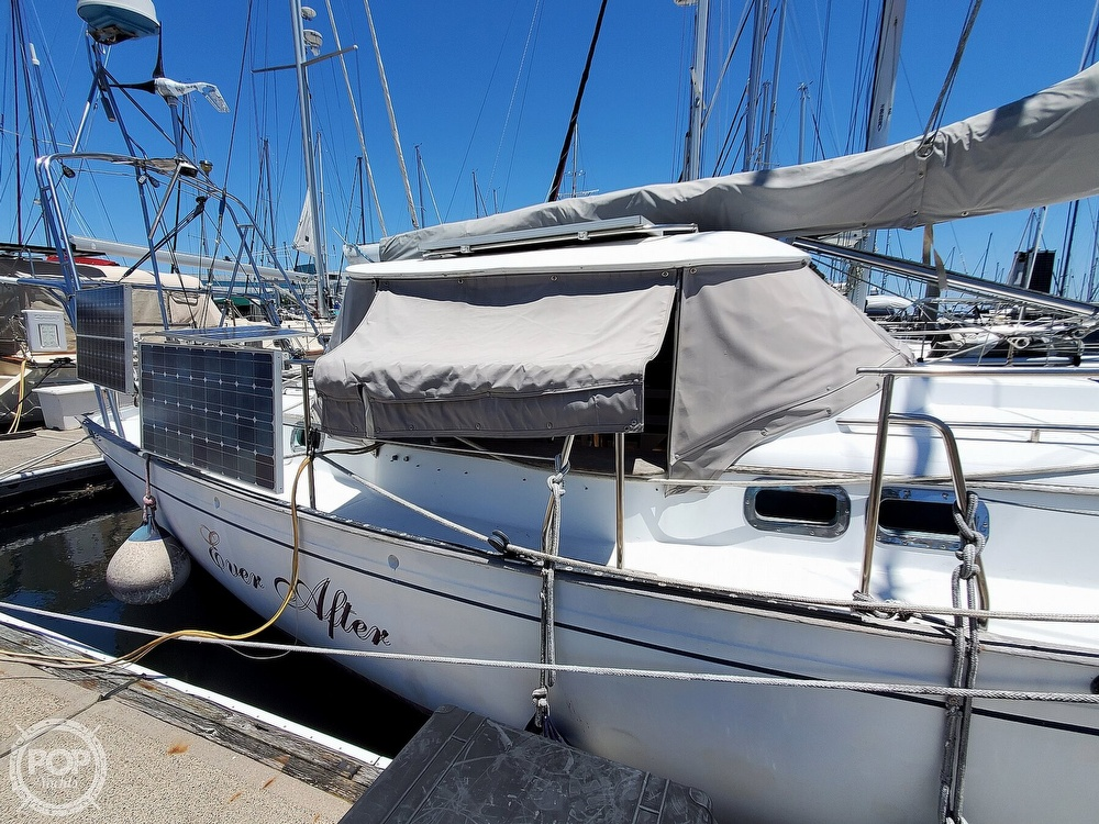 1981 Kelly Peterson boat for sale, model of the boat is 44 & Image # 31 of 40
