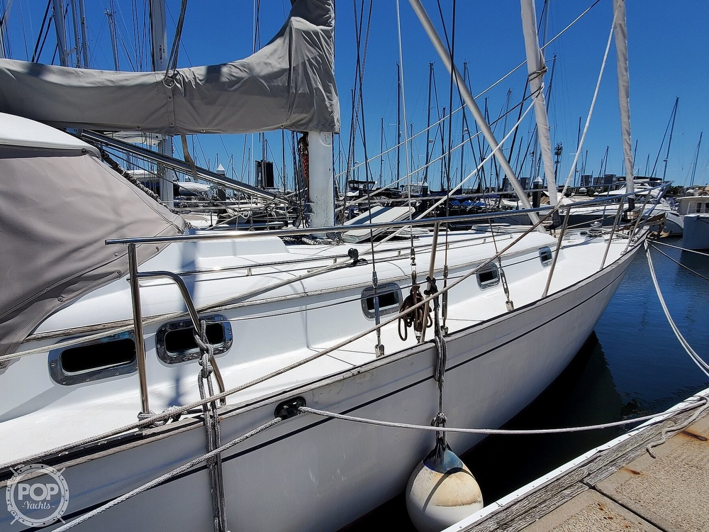 1981 Kelly Peterson boat for sale, model of the boat is 44 & Image # 32 of 40