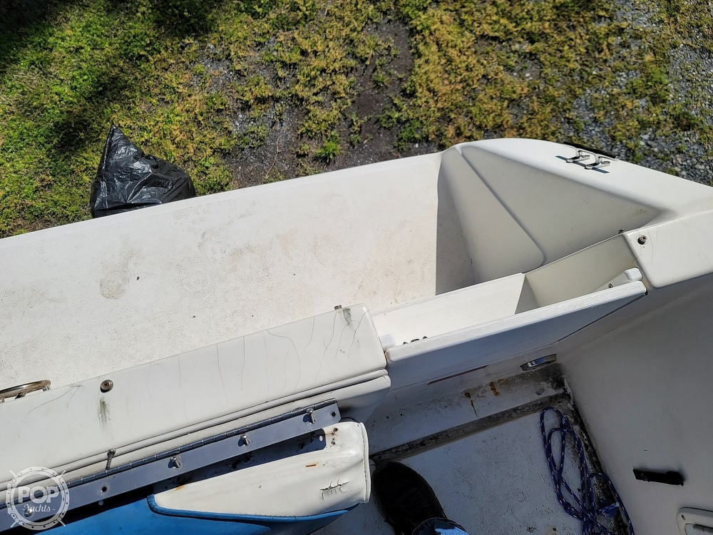1990 Sea Ray boat for sale, model of the boat is 220 Sundancer & Image # 12 of 40