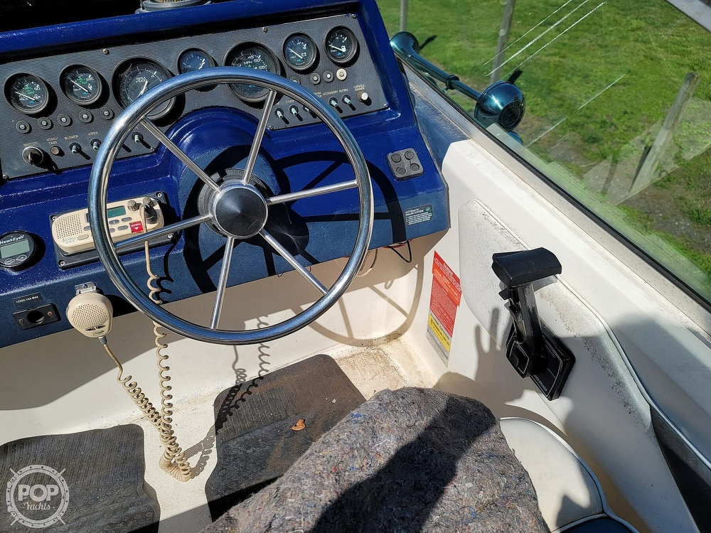 1990 Sea Ray boat for sale, model of the boat is 220 Sundancer & Image # 15 of 40