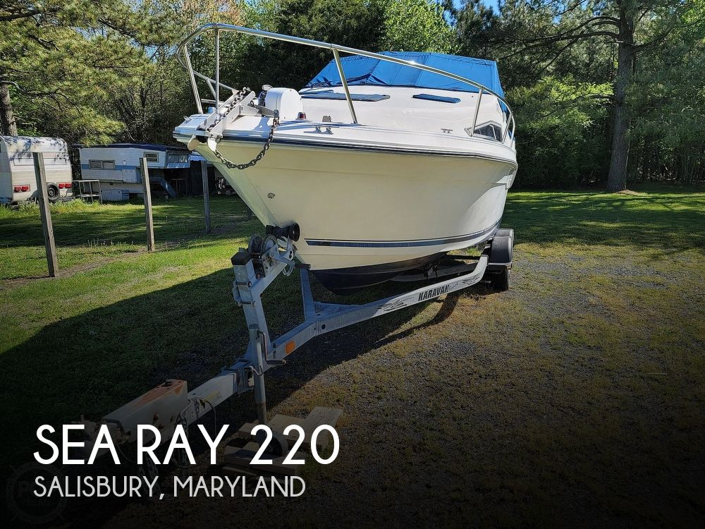 1990 Sea Ray boat for sale, model of the boat is 220 Sundancer & Image # 1 of 40
