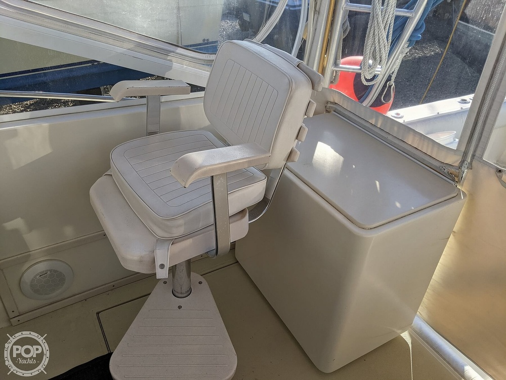 1999 Carolina Classic boat for sale, model of the boat is 28 & Image # 30 of 40