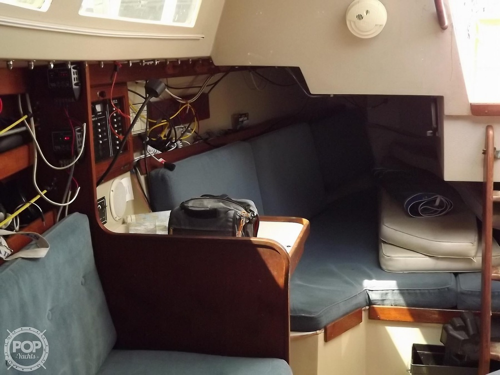 1988 Catalina Yachts boat for sale, model of the boat is 30 MK II & Image # 13 of 40