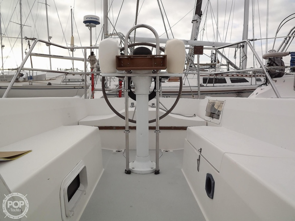 1988 Catalina Yachts boat for sale, model of the boat is 30 MK II & Image # 39 of 40