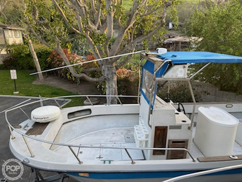 1986 Radon boat for sale, model of the boat is 21 Center Console & Image # 4 of 40