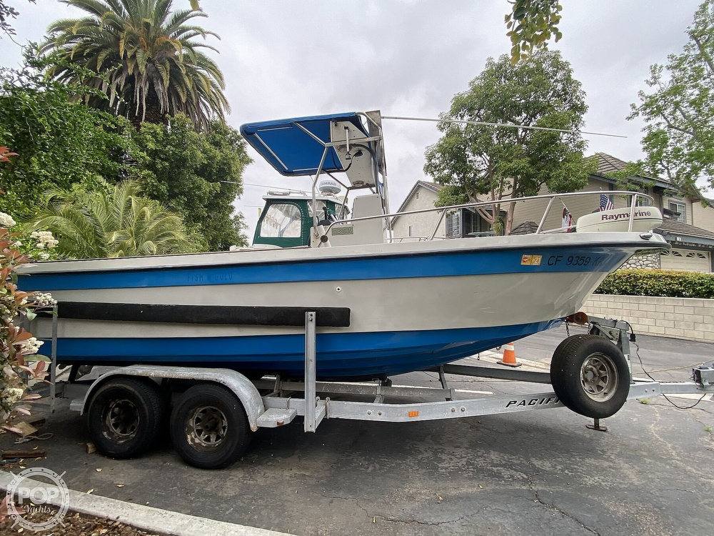 1986 Radon boat for sale, model of the boat is 21 Center Console & Image # 2 of 40