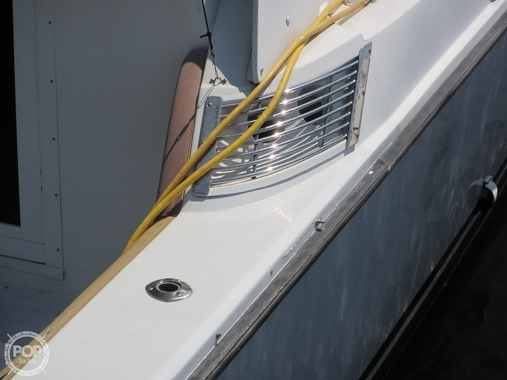 1985 Trojan boat for sale, model of the boat is 11 Meter Convertible & Image # 21 of 40