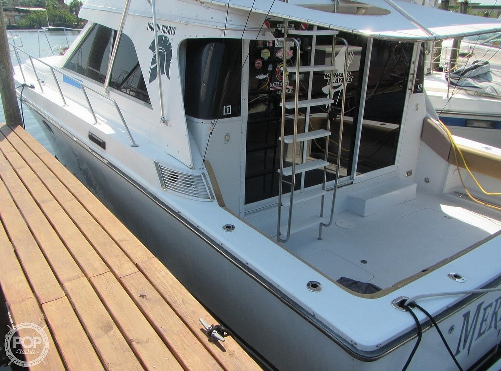 1985 Trojan boat for sale, model of the boat is 11 Meter Convertible & Image # 29 of 40