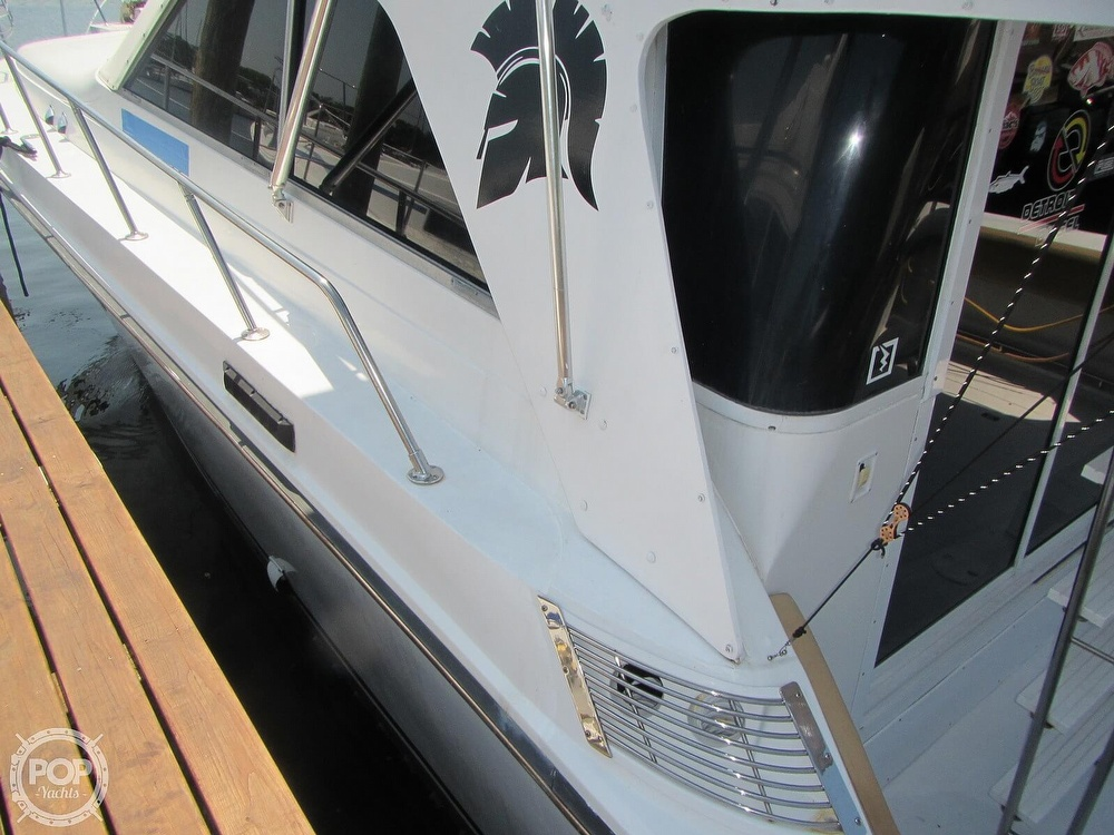 1985 Trojan boat for sale, model of the boat is 11 Meter Convertible & Image # 31 of 40