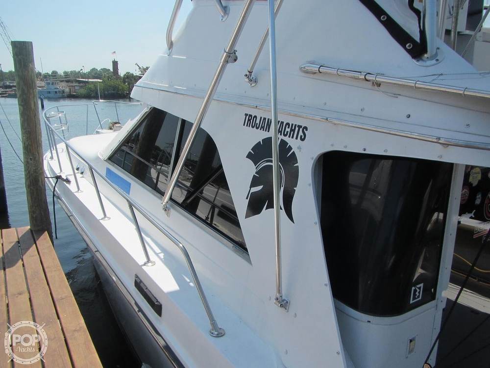 1985 Trojan boat for sale, model of the boat is 11 Meter Convertible & Image # 32 of 40