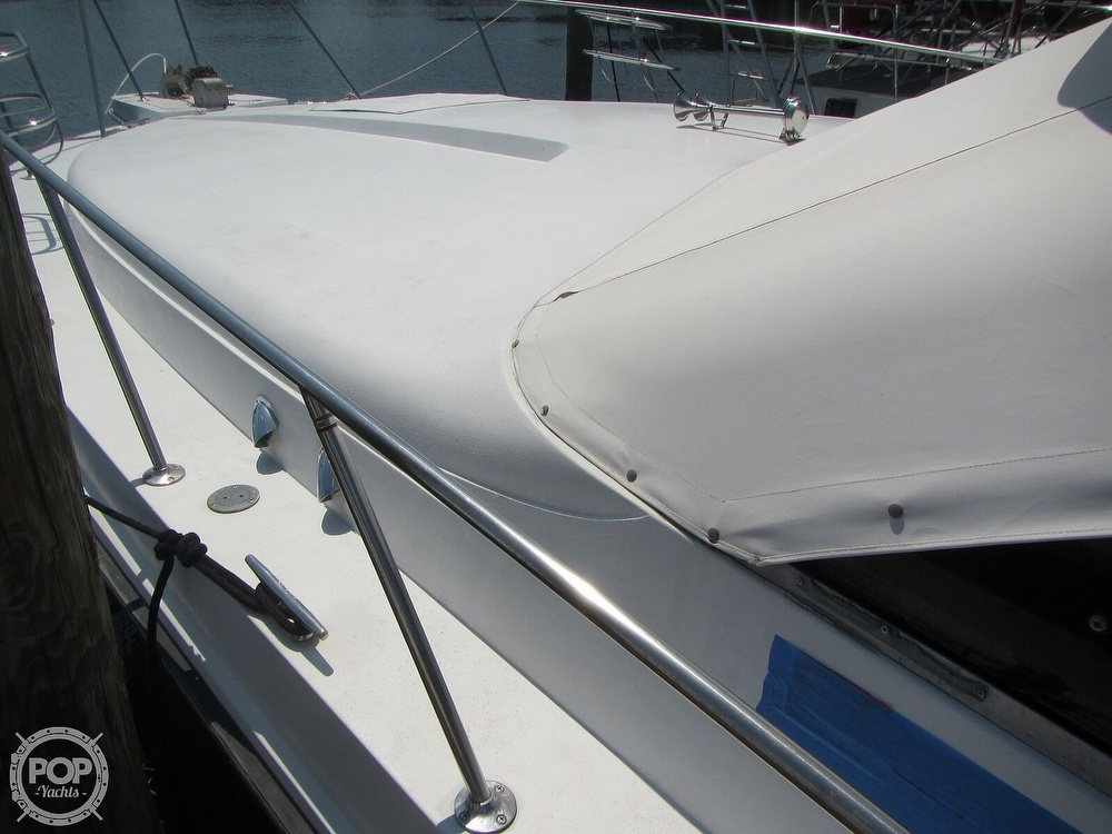 1985 Trojan boat for sale, model of the boat is 11 Meter Convertible & Image # 34 of 40