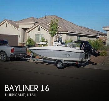 2017 Bayliner boat for sale, model of the boat is Element F16 & Image # 1 of 7