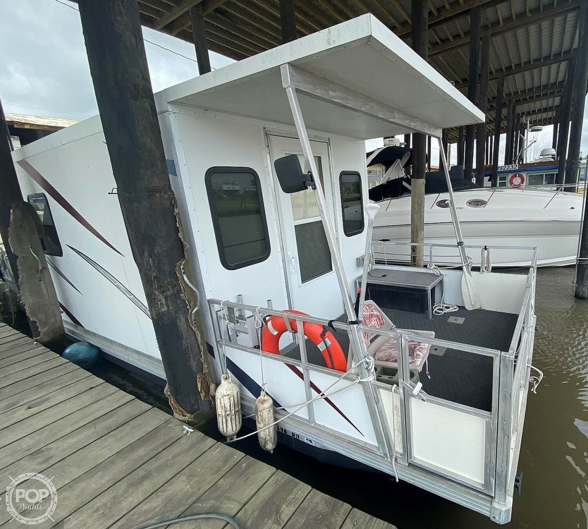 1986 Starcraft boat for sale, model of the boat is 28' Custom Houseboat Rebuilt in 2016 & Image # 4 of 40