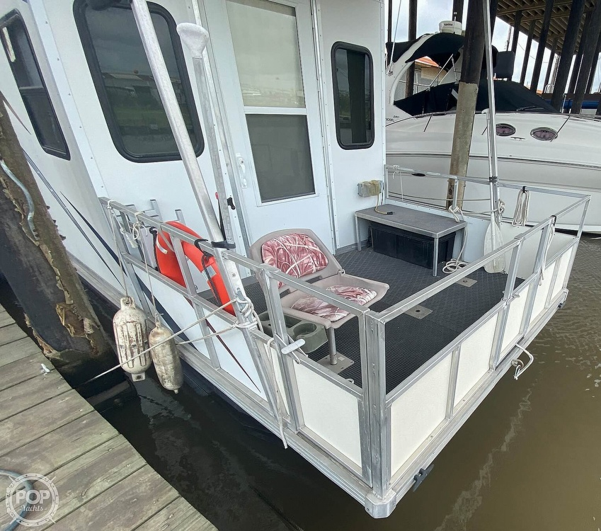 1986 Starcraft boat for sale, model of the boat is 28' Custom Houseboat Rebuilt in 2016 & Image # 35 of 40